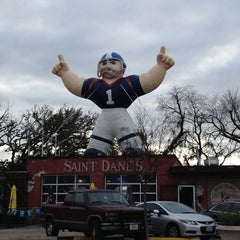 Photo taken at Saint Dane's Bar & Grille by 😈darĸərтнanвlacĸ😈 on 1/13/2013
