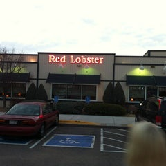 Photo taken at Red Lobster by Jeffrey S. on 11/17/2012