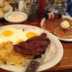 Photo taken at Cracker Barrel Old Country Store by Brenda F. on 3/17/2013