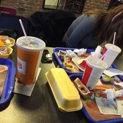 Photo taken at Burger King by Oğuzhan Ş. on 12/11/2015