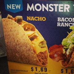 Photo taken at Jack in the Box by Urban S. on 10/10/2014