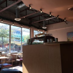 Photo taken at Blenz Coffee by AhYoung J. on 9/14/2014