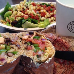 Photo taken at Chipotle Mexican Grill by kyoko o. on 6/7/2014