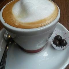 Photo taken at Establecimiento General de Café by Ro B. on 7/29/2014