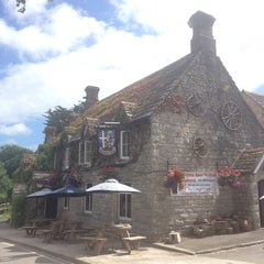 Photo taken at Bankes Arms by Mandy T. on 7/14/2014