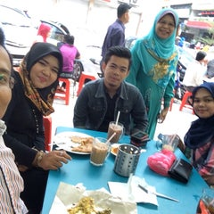 Photo taken at Restoran Hanifa by Muhammad S. on 2/6/2015