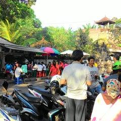 Photo taken at Nasi Bali Men Weti by Iriyantis S. on 5/23/2015