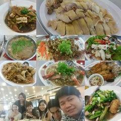 Photo taken at กวนอา (Kuan Ah) by Pis I. on 4/24/2015