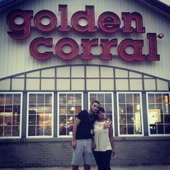 Photo taken at Golden Corral by Herbie M. on 10/14/2014