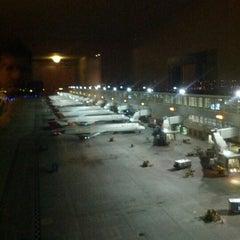 Photo taken at Westin Detroit Metropolitan Airport by Michael S. on 11/7/2012