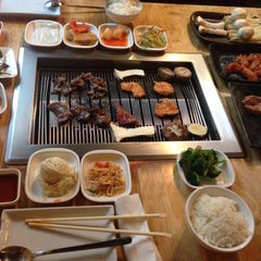 Photo taken at Wharo Korean BBQ by Cih@n K. on 3/18/2015