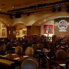 Photo taken at Hard Rock Cafe Munich by Freddy R. on 5/8/2014