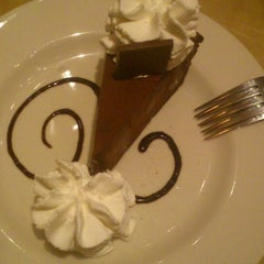 Photo taken at The Cheesecake Factory by Nivedita V. on 8/19/2014
