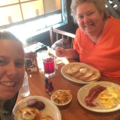Photo taken at Cracker Barrel Old Country Store by Ellen M. on 10/7/2015