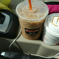 Photo taken at Dunkin Donuts by Randee C. on 10/18/2015