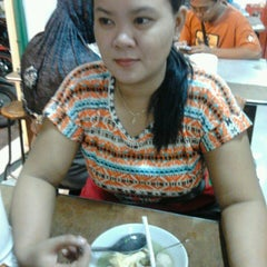Photo taken at Bakso Mburi Pos by Ady P. on 5/24/2013