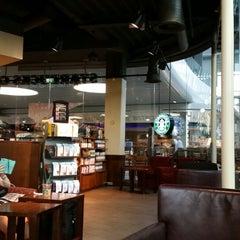 Photo taken at Starbucks by Dwight L. on 5/21/2014