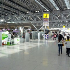 Photo taken at Departures / Check-In Hall by narin s. on 3/30/2013