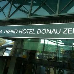 Das Foto wurde bei Hotel Donauzentrum von Selma G. am 10/17/2013 aufgenommen