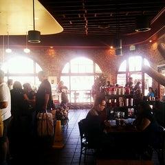 Photo taken at Starbucks by Keiichi S. on 11/24/2012