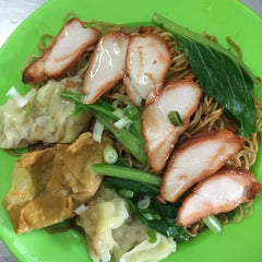 Photo taken at Red Famous Corner Food Court by Zhi Y. on 6/1/2015