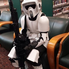 Photo taken at KCLS Shoreline Library by Laurentia H. on 5/3/2014