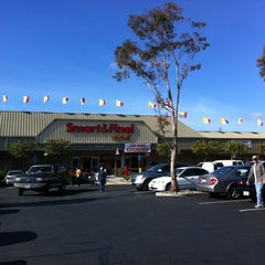 Photo taken at Smart & Final Extra! by Devans00 .. on 11/21/2012
