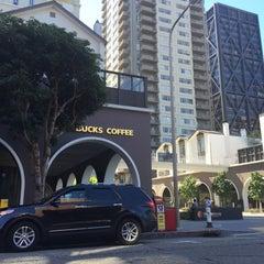 Photo taken at Starbucks by Devans00 .. on 9/19/2015