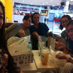 Photo taken at Big Apple Donuts & Coffee by plainvanilla on 9/6/2014