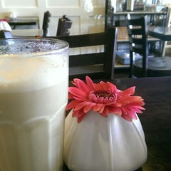 Photo taken at Vanilla Moon Bakery by Natalie L. on 8/8/2014