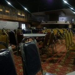 Photo taken at Dewan Jubli Perak SUK Selangor by Marlisa Z. on 3/28/2015