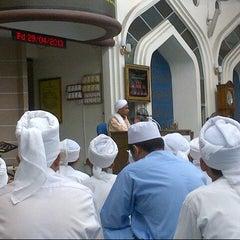 Photo taken at Masjid Nurul Iman Serendah by Azuar A. on 4/29/2013