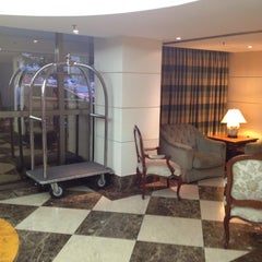 Photo taken at Hotel Caesar Business by Ricardo A. on 8/2/2012