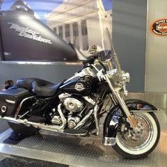 Photo taken at Windy City Harley-Davidson by Takayuki K. on 11/1/2012