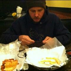 Photo taken at Best New York Pizza by rocío aracelis ú. on 11/28/2014