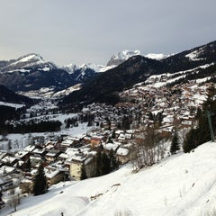Photo taken at Super Chatel by Y. Murat O. on 1/31/2013