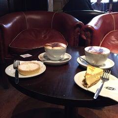 Photo taken at Caffè Nero by Rob R. on 8/16/2015