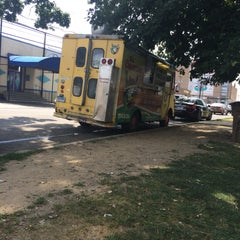 Photo taken at El Charrito Taco Truck by Nay C. on 7/28/2015