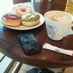 Photo taken at J.Co Donuts & Coffee by Ramlan G. on 12/4/2012