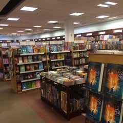 Photo taken at Chapters by Alfredo P. on 5/14/2016
