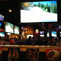Photo taken at Buffalo Wild Wings by Ng J. on 1/13/2013