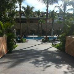 Photo taken at Nima Bay Bar & Lounge by Chufo R. on 12/16/2012