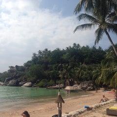 Photo taken at Koh Tao Cabana by Brad C. on 1/1/2015