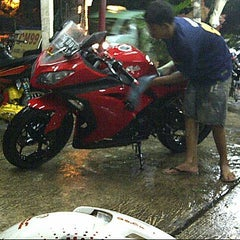 Photo taken at CM 99 Carwash by Angka A. on 2/17/2013