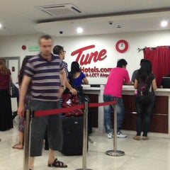 Photo taken at Tune Hotels by Melo V. on 6/7/2013
