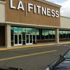 Photo taken at LA Fitness by Kenneth P H. on 10/24/2014