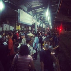 Photo taken at Commuter Line Tanah Abang-Serpong @Jalur 6 by Agus Mulyono on 9/13/2013