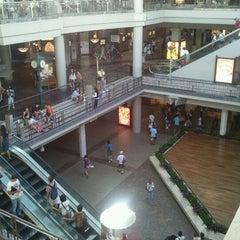 Photo taken at Ala Moana Center by Robert K. on 9/18/2012