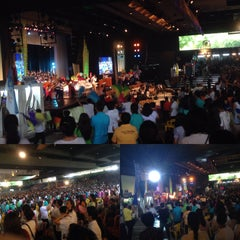Photo taken at Day by Day Christian Ministries (Folk Arts Theatre) by Franchesca on 6/7/2015