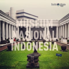 Photo taken at Museum Nasional Indonesia by Iskandar Munde Z. on 5/10/2013